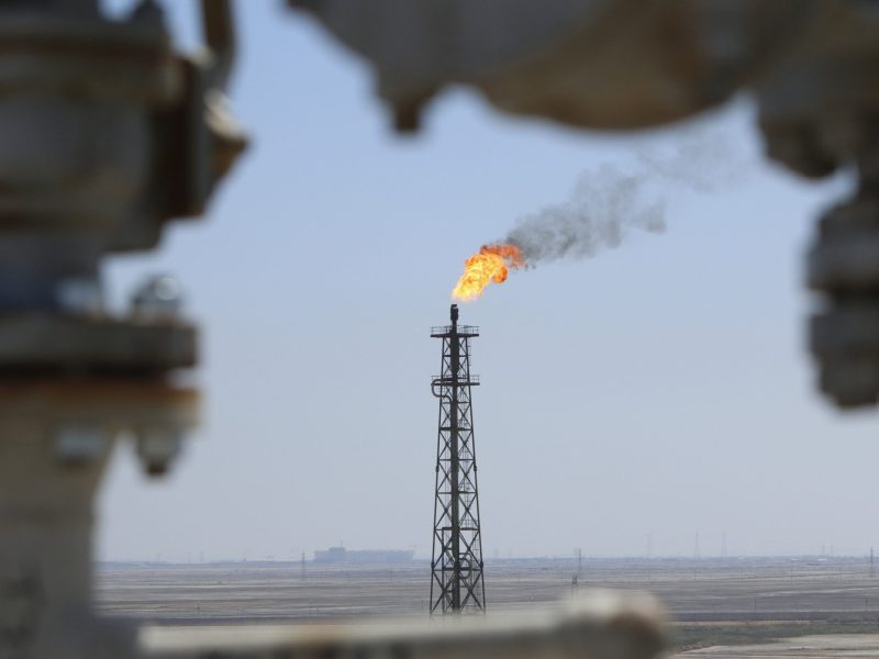Gas burns off at the al-Shuaiba oil refinery in southwest Basra, Iraq. Photo: Reuters/Essam Al-Sudani