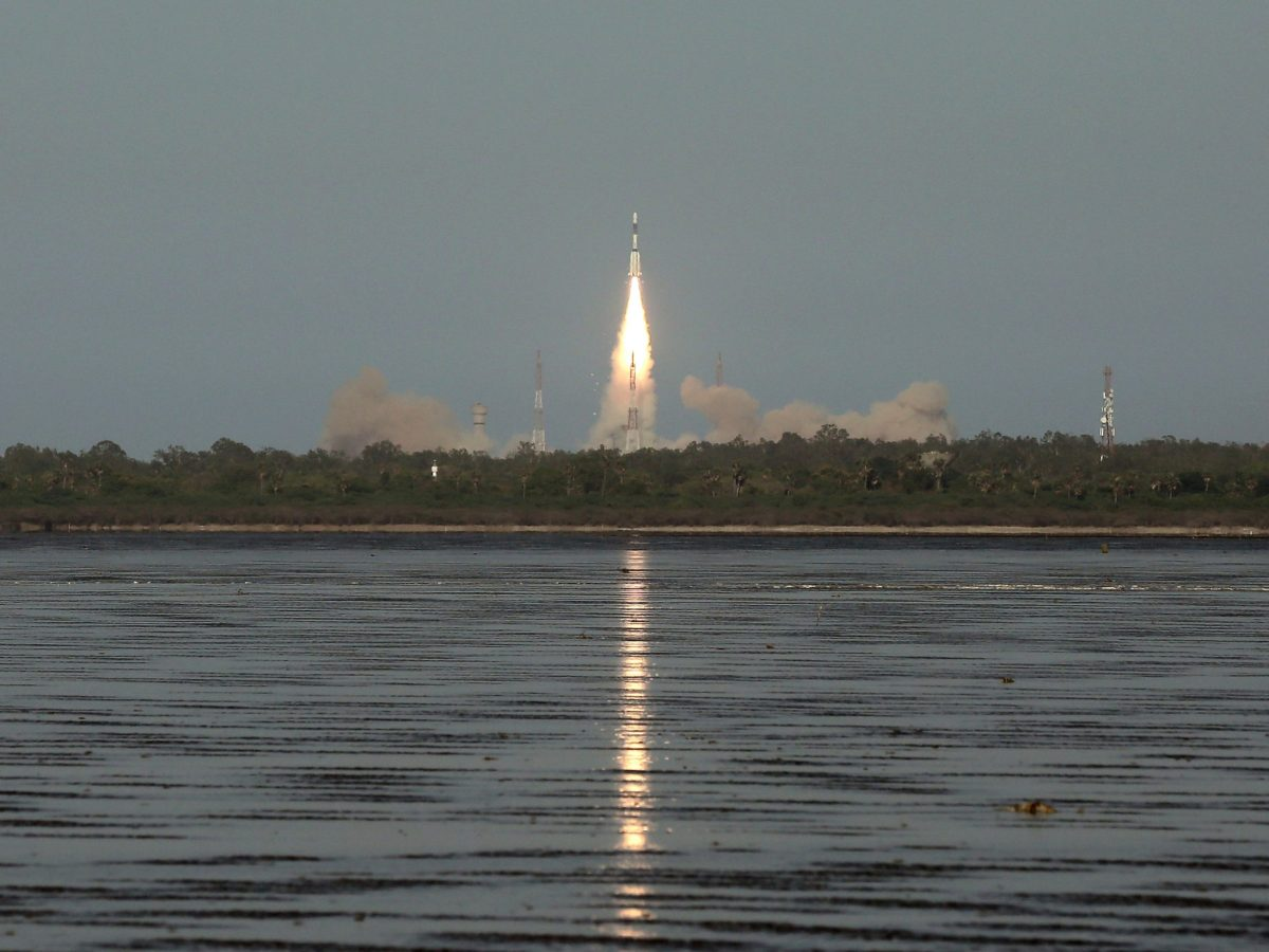 India's Geosynchronous Satellite Launch Vehicle (GSLV-F09), carrying the GSAT-9 communications satellite, blasts off from the Satish Dhawan space centre at Sriharikota, India, on May 5, 2017. Photo: Reuters