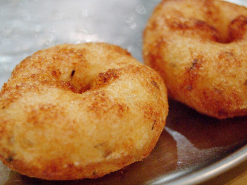 A murder in Kochi has been linked to a serving of vada. Photo: Flickr