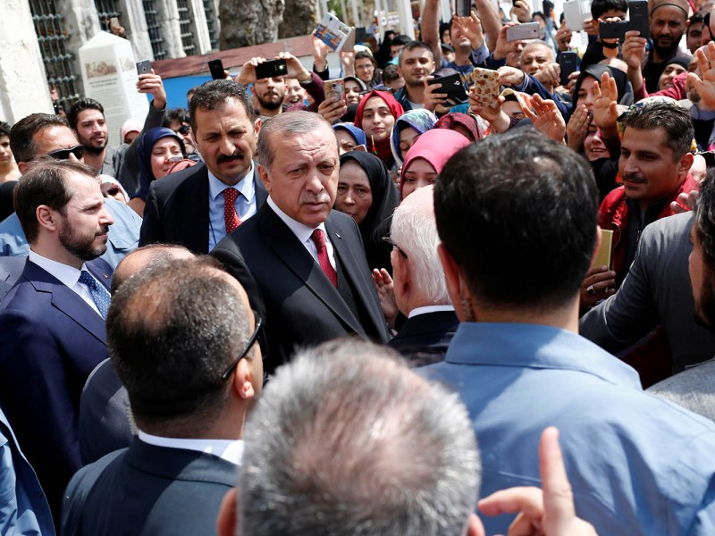 Turkish President Recep Erdogan leaves Eyup Sultan mosque in Istanbul on April 17. Photo: Reuters