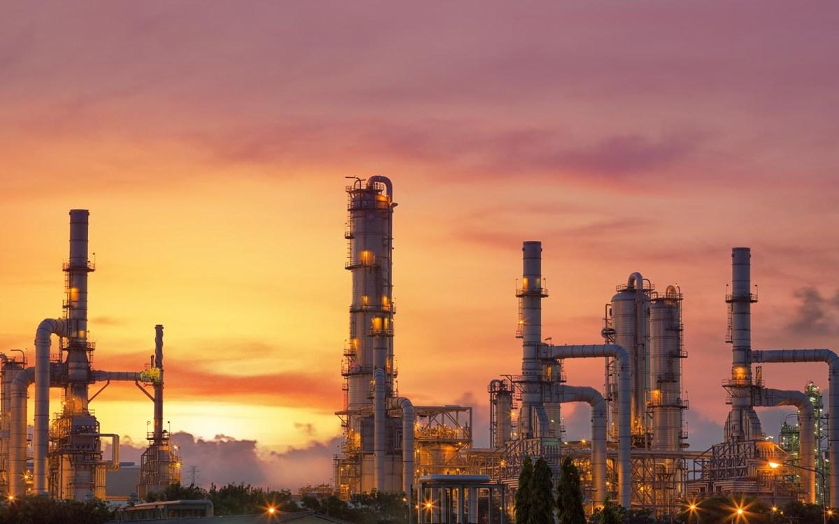 A Saudi Arabian oil refinery at dusk. Photo: iStock