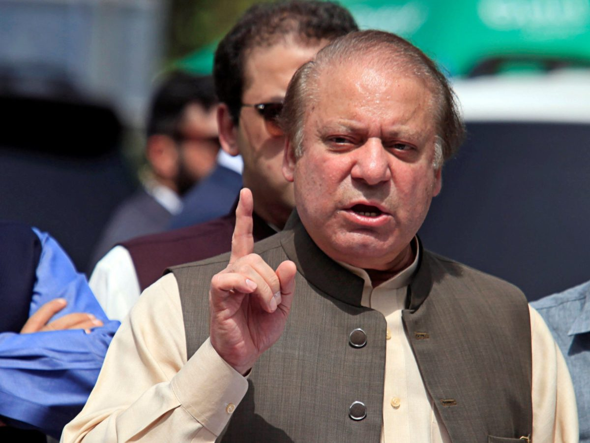 Pakistani Prime Minister Nawaz Sharif speaks to media after appearing before a Joint Investigation Team in Islamabad on June 15, 2017. Photo: Reuters / Faisal Mahmood
