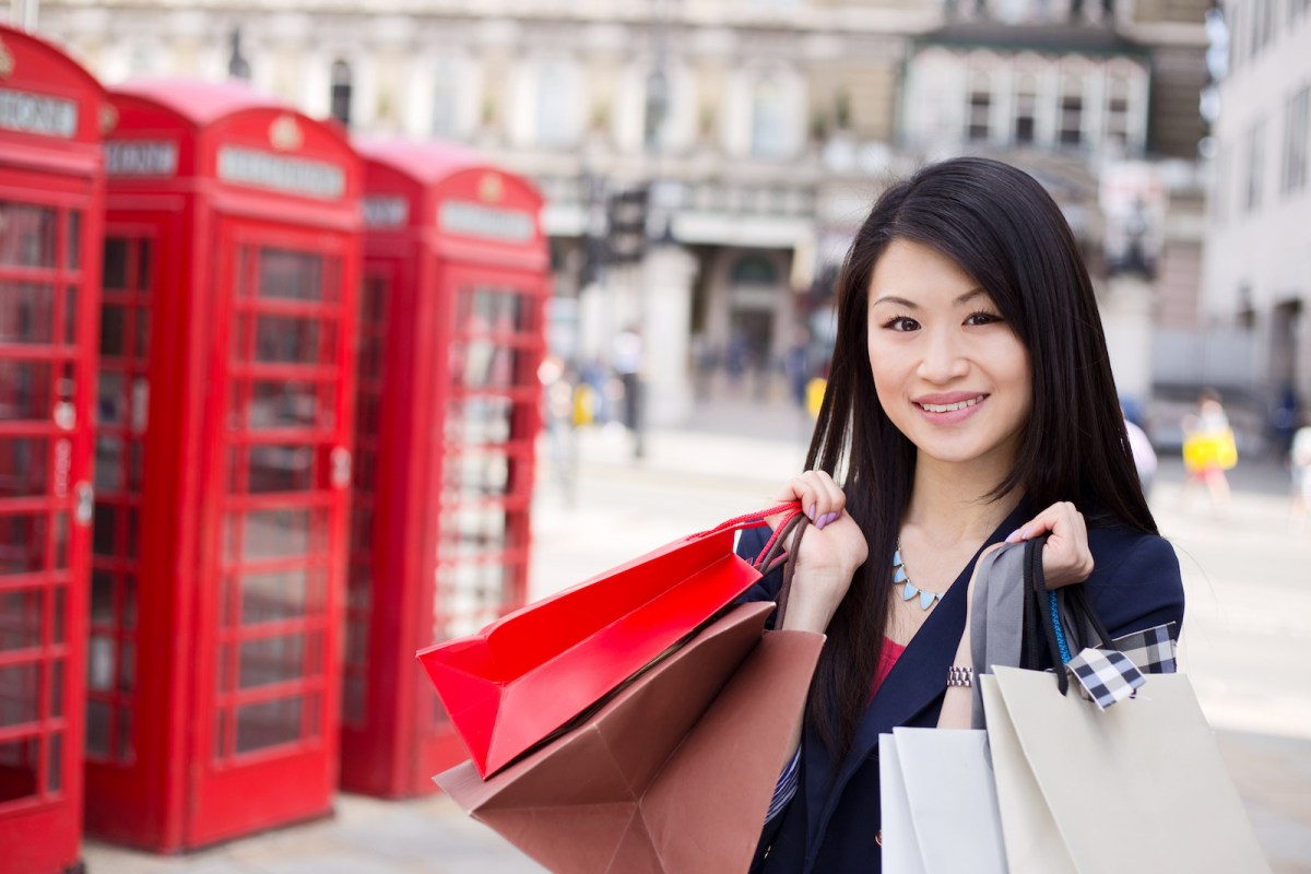 A Chinese tourist shops in London. Photo: iStock