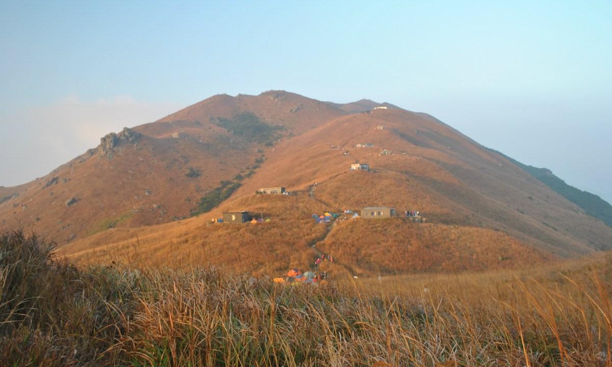 Sunset Peak, also known as Tai Tung Shan, on Lantau Island. Photo: Wikimedia Commons.