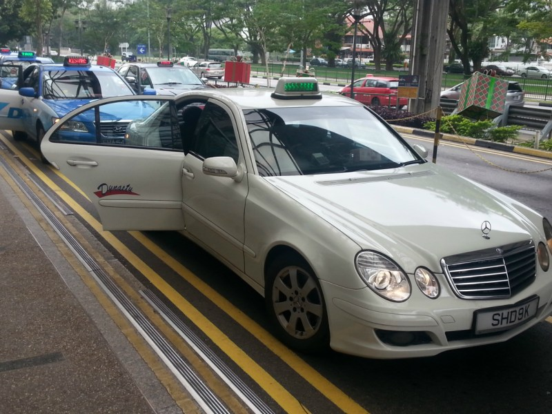 A Mercedes Benz used as a taxi in Singapore. The firm has sold far more cars in China than in India. Photo: Wikimedia Commons