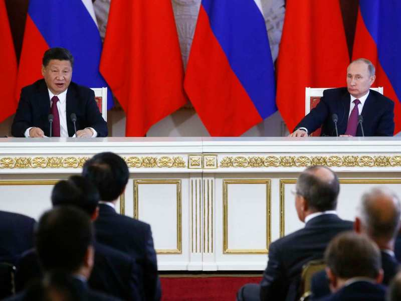 Chinese President Xi Jinping and his Russian counterpart Vladimir Putin make a statement after talks at the Kremlin on July 4, 2017. Reuters/Sergei Karpukhin
