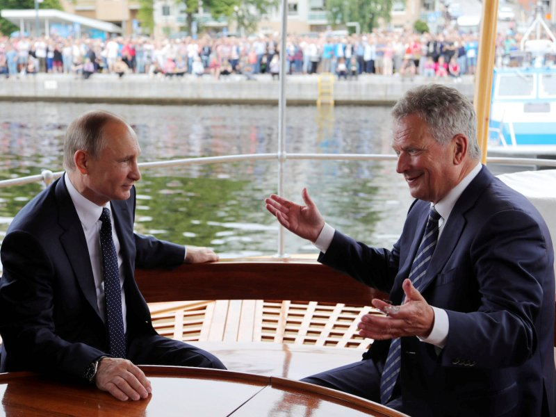 Russian President Vladimir Putin meets with Finnish President Sauli Niinisto in Savonlinna, Finland, on July 27, 2017. While in Finland, Putin played down the significance of joint naval exercises with China in the Baltic Sea. Photo: Sputnik/Mikhail Klimentyev/Kremlin via Reuters