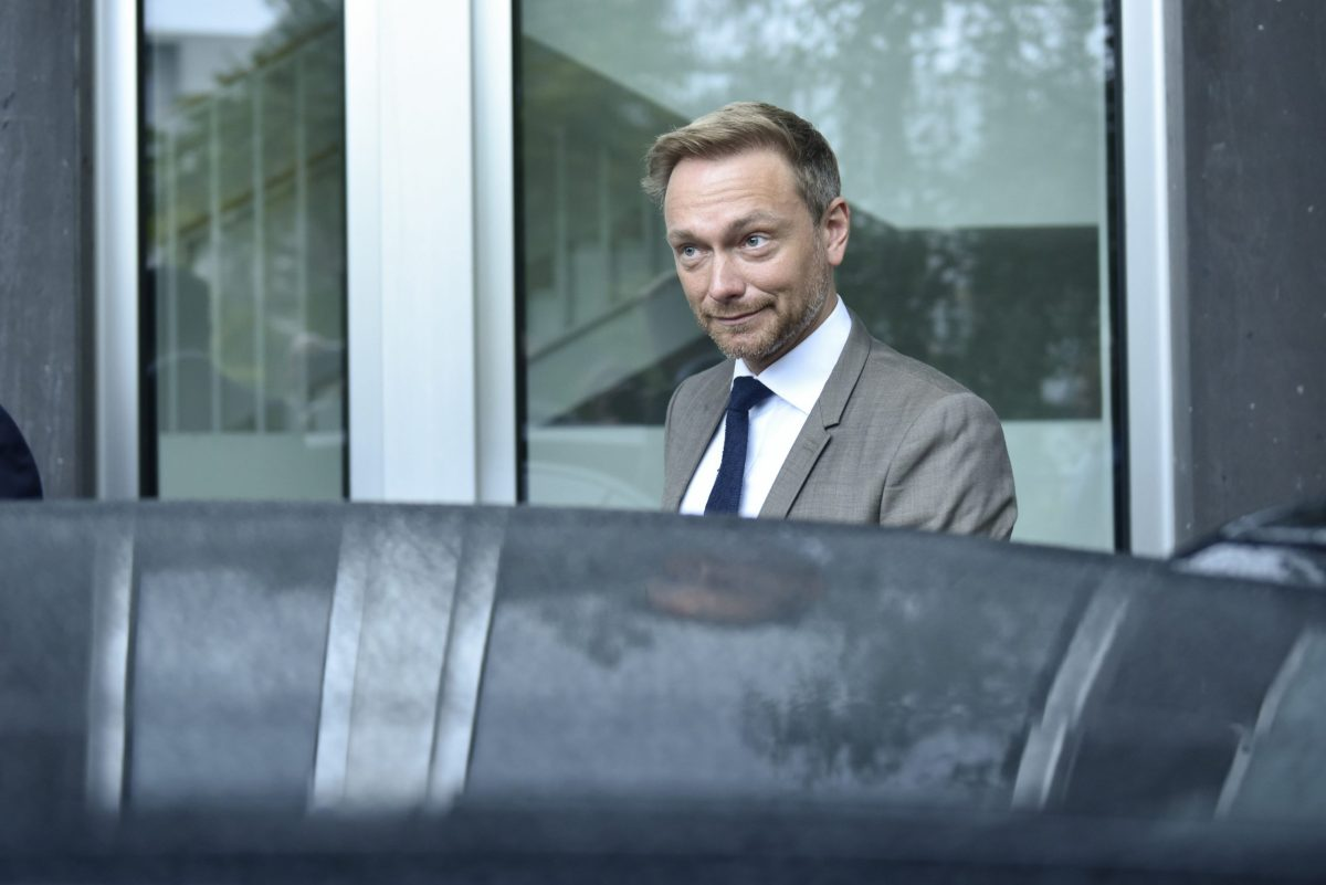 Free Democratic Party FDP leader Christian Lindner leaves a news conference in Berlin. Photo: Reuters/Stefanie Loos