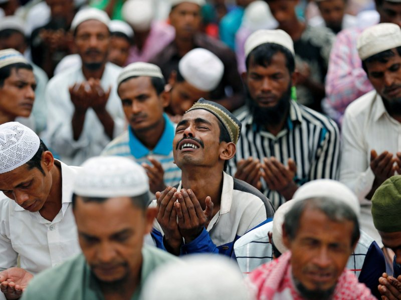 A Rohingya refugee man cries as he take part in Eid al-Adha prayer near the Kutupalang makeshift refugee camp, in Cox's Bazar, Bangladesh, September 2, 2017. Photo: Reuters/Mohammad Ponir Hossain