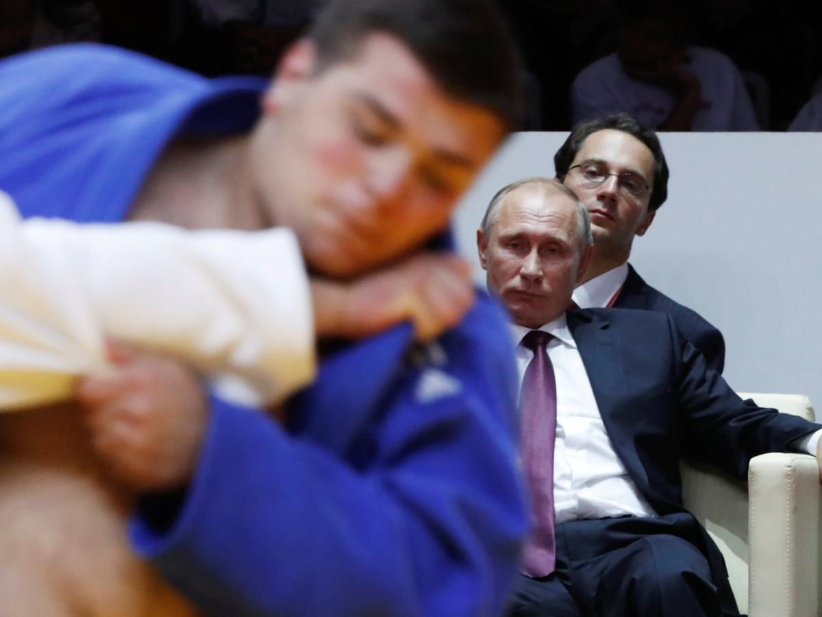 Russia President Vladimir Putin watches judo on the margins of the Eastern Economic Forum in Vladivostok, Russia, on September 7, 2017. Photo: Reuters / Sergei Karpukhin