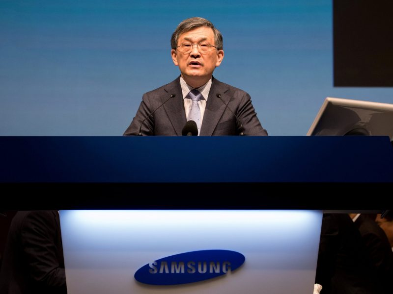 Kwon Oh-Hyun, co-chief executive officer of Samsung Electronics Co., speaks in March. Photo: Reuters/SeongJoon Cho