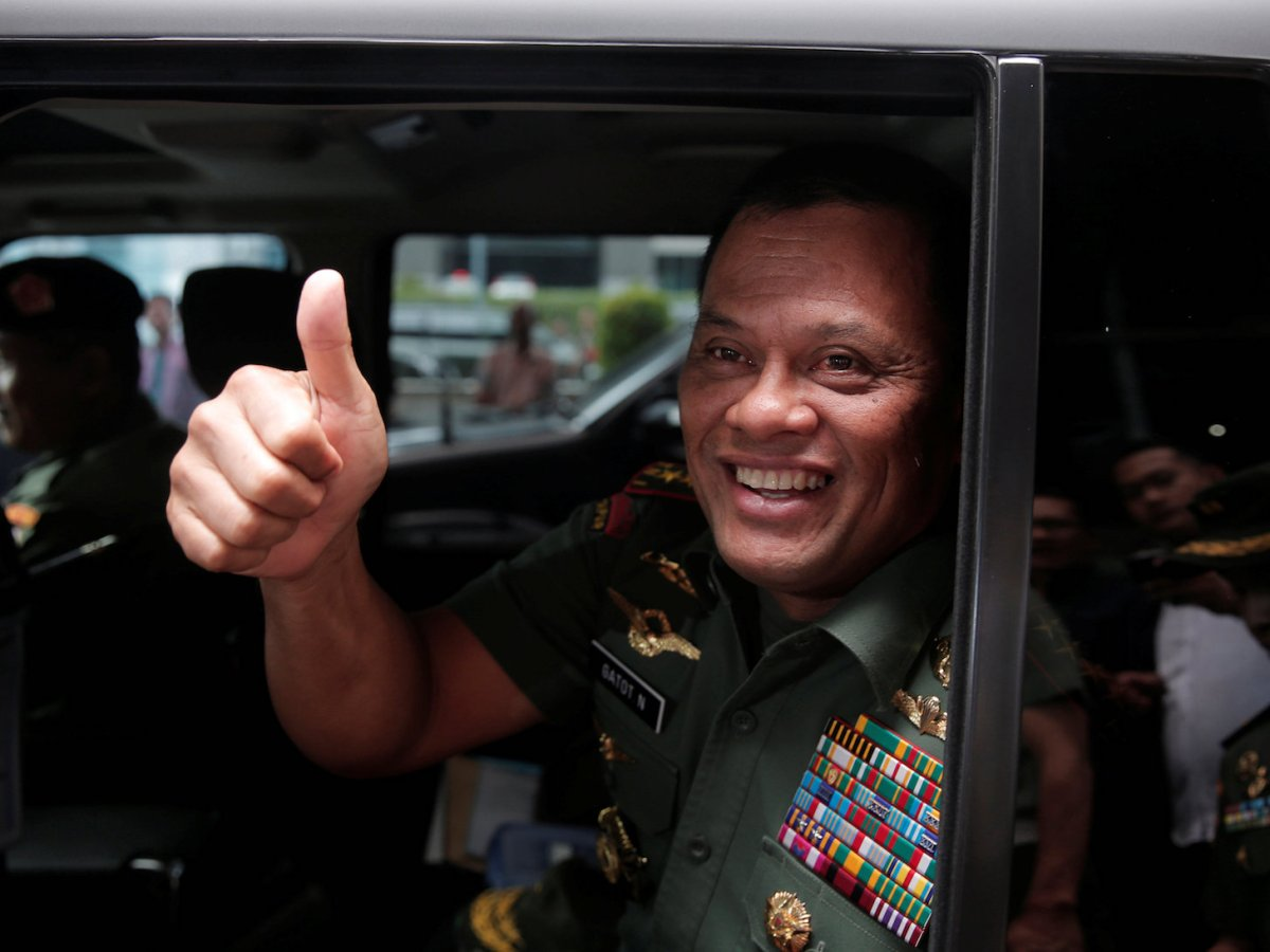 Indonesian military Chief Gatot Nurmantyo gestures as he sits in his car after talking to reporters in Jakarta, Indonesia, January 5, 2017. Photo: Reuters/Beawiharta