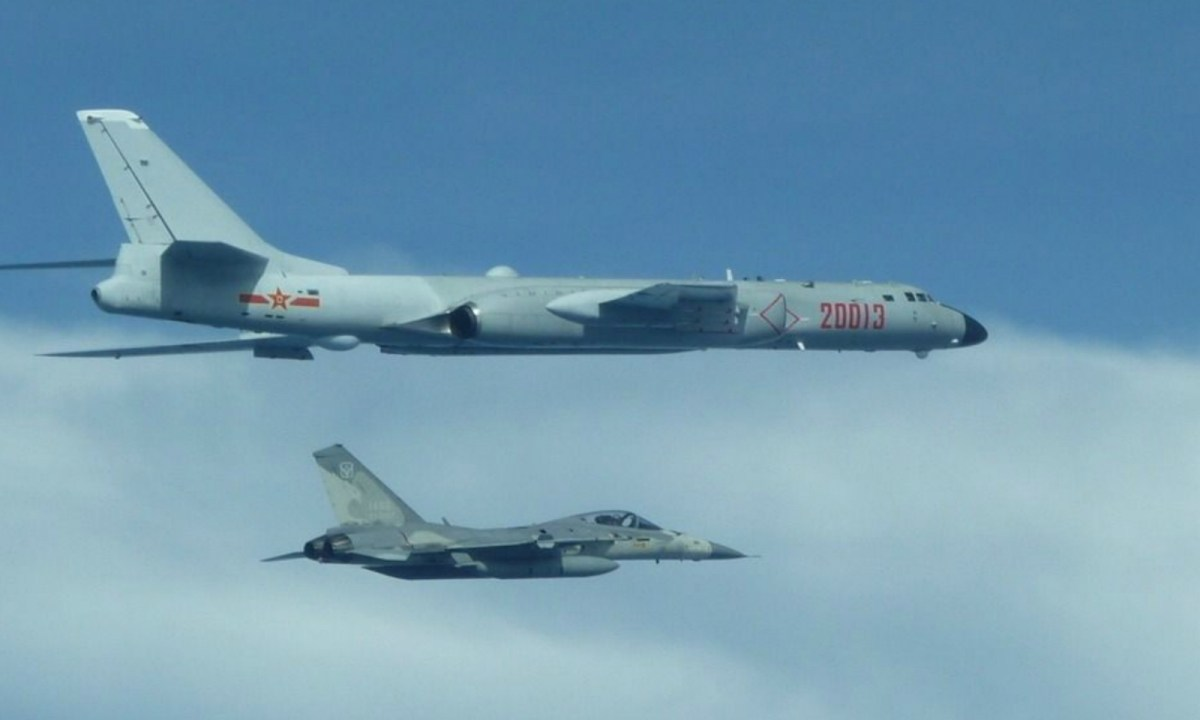 A Taiwanese AIDC F-CK-1 Ching-kuo fighter intercepts a PLA H-6K bomber above the Taiwan Strait. Photo: Taiwan Defense Ministry.