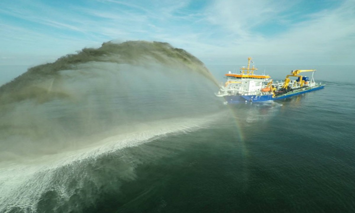 A Chinese dredger is seen in the South China Sea. Photo: Xinhua
