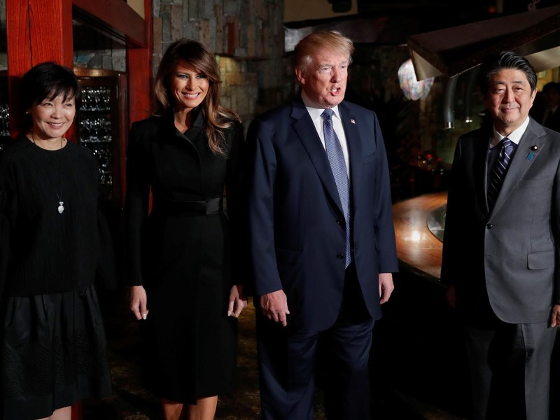 US President Donald Trump and his wife Melania Trump are welcomed by Japan's Prime Minister Shinzo Abe and his wife Akie Abe with a dinner at Ginza Ukai Tei in Tokyo on November 5, 2017. Photo: Reuters / Jonathan Ernst