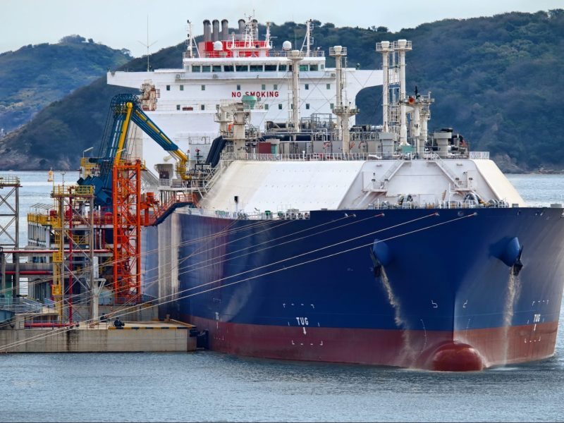 A LNG (Liquefied natural gas) tanker ship unloading its cargo at Shanghai Yangshan LNG terminal. Photo: iStock