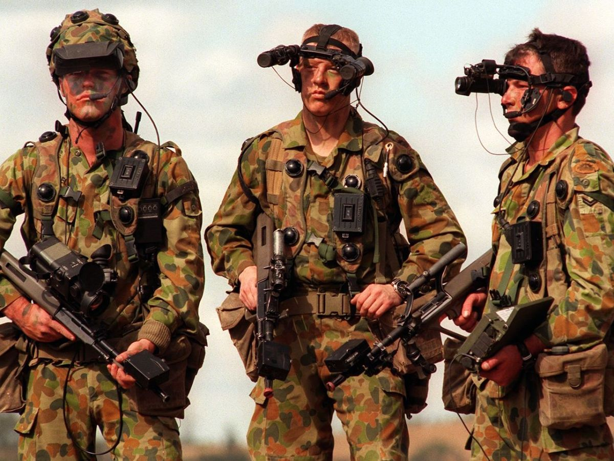 Australian infantrymen from the 5/7 Battalion Royal Australian Regiment display high-tech weapons and gadgets in a file photo: Photo: AFP