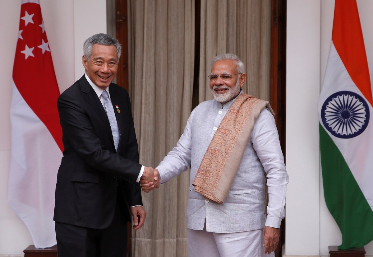 Singaporean Prime Minister Lee Hsien Loong and his Indian counterpart Narendra Modi shake hands ahead of their meeting at Hyderabad House in New Delhi on January 25, 2018. Photo: Reuters / Adnan Abidi
