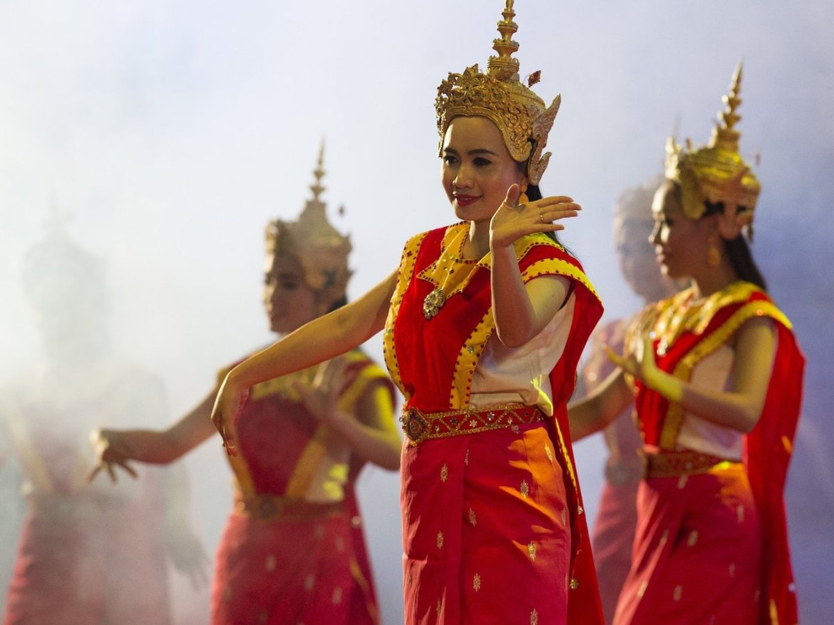 Lao dancers perform during the Association of Southeast Asian Nations' gala dinner at the National Convention Center in Vientiane, Laos, September 7, 2016. Photo: AFP/Saul Loeb