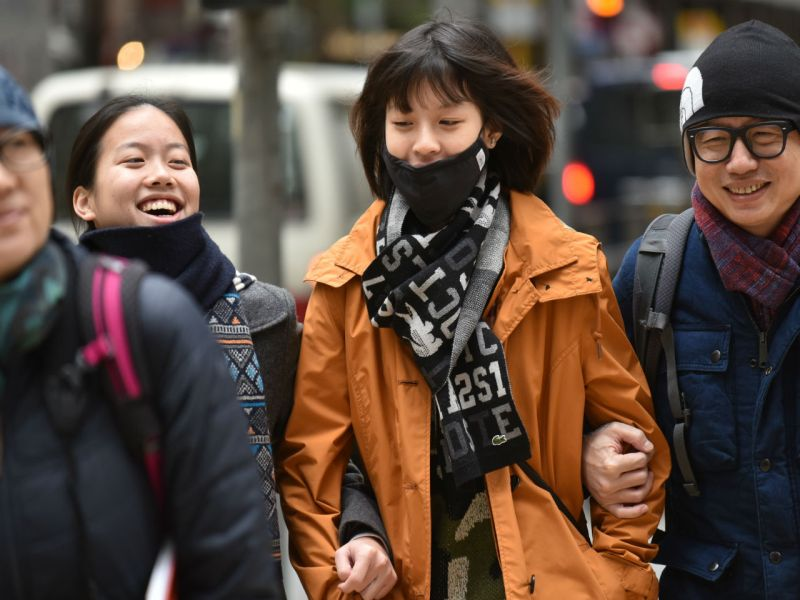 Citizens in Hong Kong will need to keep rugged up this week, with low temperatures of 8-9C expected till Sunday. Photo: HK Government