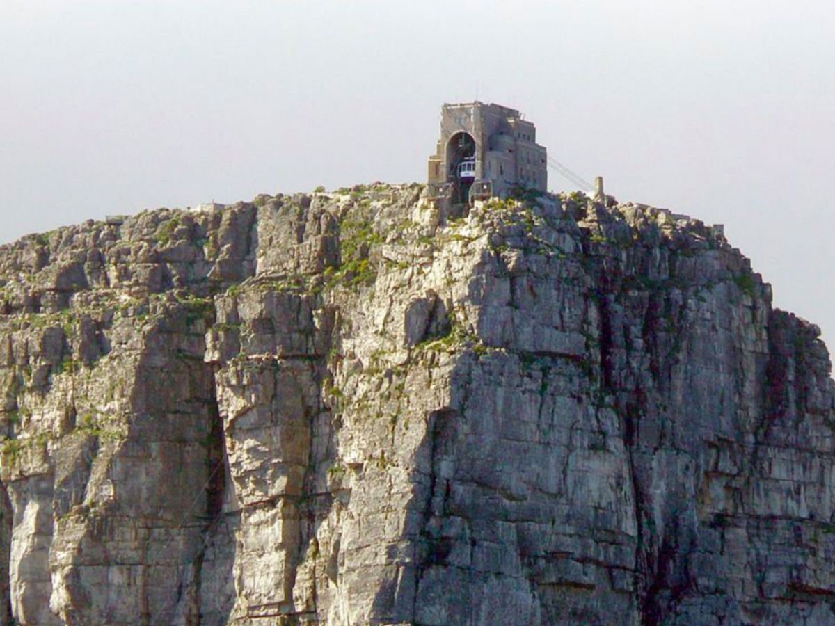 Table Mountain in Cape Town, South Africa. Photo: Wikimedia Commons, Hilton