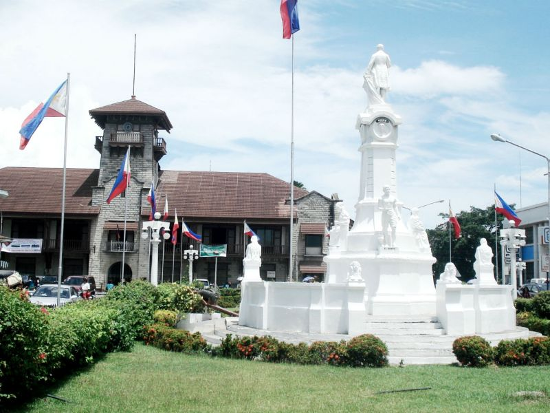 Rizal Monument in Zamboanga City near the scene of the shooting. Photo: Wikimedia Commons, Wowzamboangacity