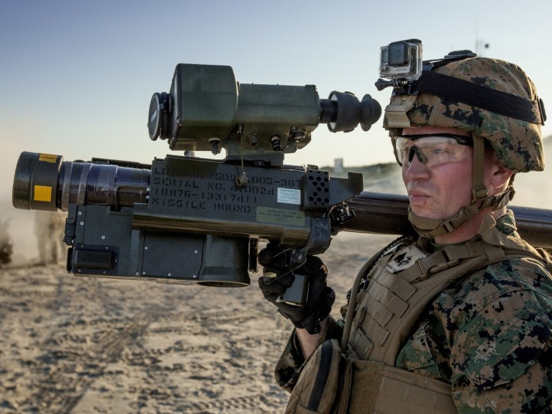 A US soldier carries an FIM-92 Stinger MANPAD missile. Photo: YouTube via US Army