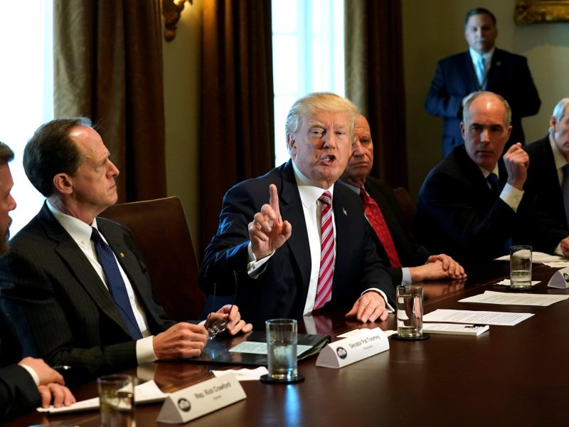 US President Donald Trump holds a meeting on trade with members of Congress at the White House on February 13, 2018. Photo: Reuters / Kevin Lamarque