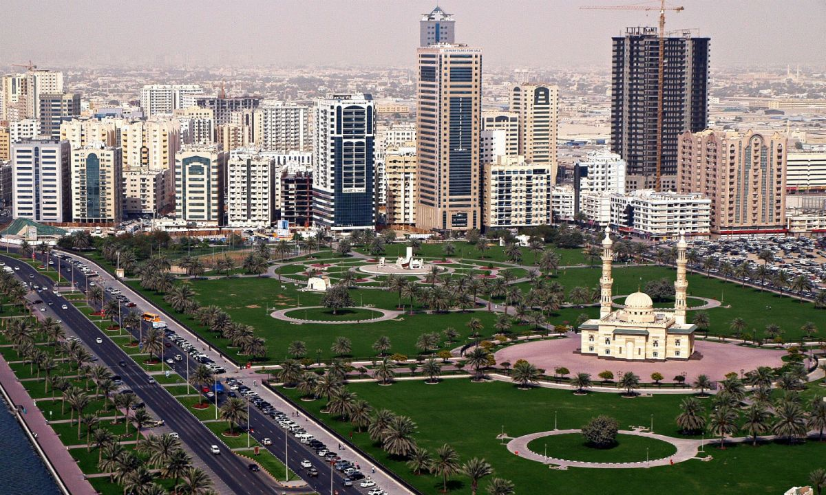Abu Dhabi, capital of the United Arab Emirates. Photo: Wikimedia Commons, Basil Soufi