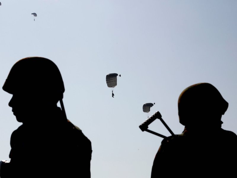 Myanmar military troops including parachutists take part in a military exercise at Ayeyarwaddy delta region in Myanmar, February 3, 2018. Photo: Reuters/Lynn Bo Bo/Pool