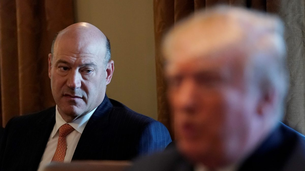 Outgoing economic adviser Gary Cohn (left) listens as US President Donald Trump speaks during a cabinet meeting at the White House in Washington, on March 8, 2018. Photo: Reuters / Kevin Lamarque