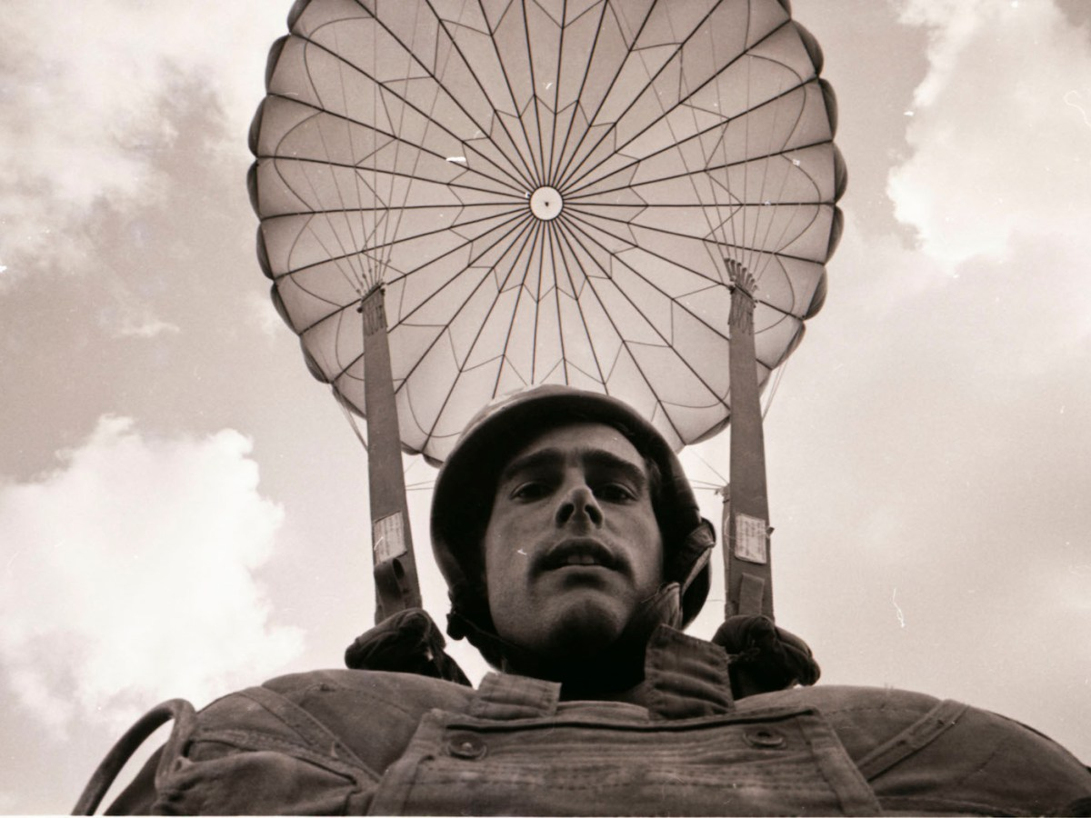 Vietnam War photographer Sean Flynn in parachute gear. Photo: Copyright Sean Flynn