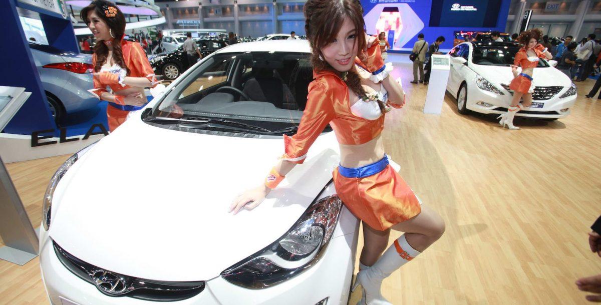 A LEG UPThe 33rd Bangkok International Motor Show opened to the media, 27 March 2012, with the highlight on eco-cars, at Impact Muang Thong Thani. The fair runs until April 8. Bangkok Post Photo/PHRAKRIT JUNTAWONG