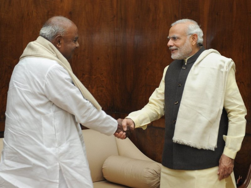 Indian Prime Minister Narendra Modi meets JD(S) leader H D Deve Gowda. Photo: Prime Minister's Office