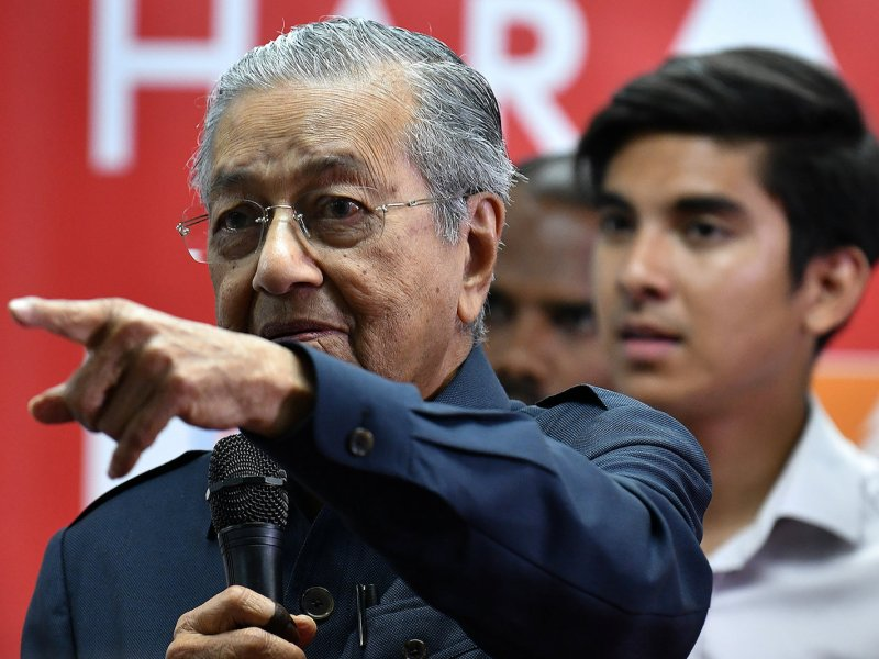 Malaysia's newly elected Prime Minister Mahathir Mohamad attends a news conference in Menara Yayasan Selangor, Pataling Jaya, Malaysia May 12, 2018. Photo: Reuters/Stringer