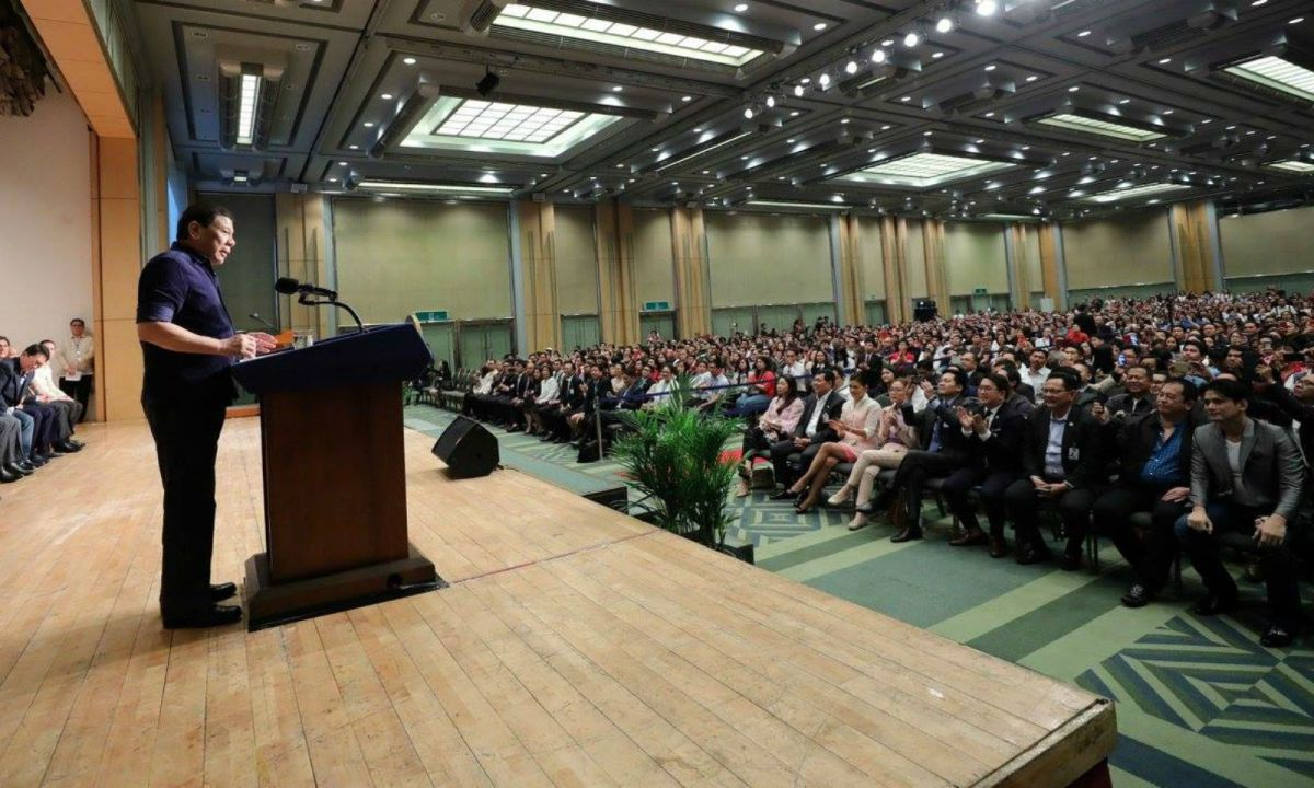 President Rodrigo Duterte speaks to Filipino workers in South Korea. Photo: Philippine government