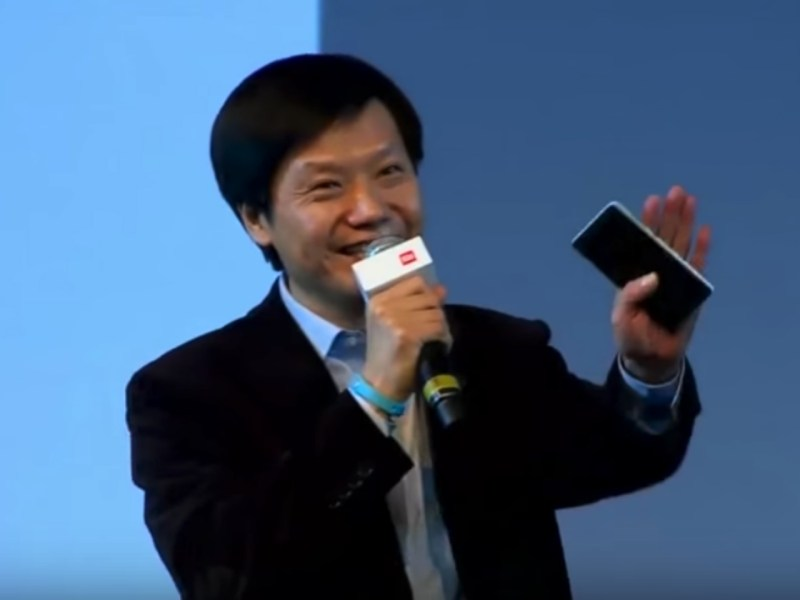 Xiaomi chairman Lei Jun gives a speech in India. Photo: Tech In China, YouTube