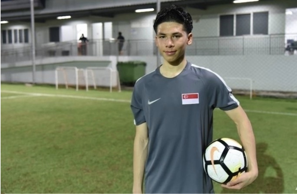 Singaporean footballer Ben Davis may or may not be on his way to the Premier League. Photo: change.org