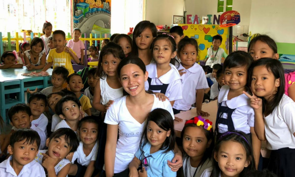 Sara Meredith's business Kaya Essentials has helped provide more than 1,780 meals to schoolchildren in the Philippines. Photo: Kaya Essentials