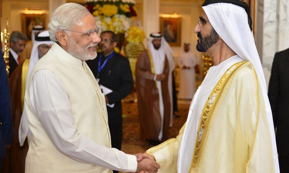 印度總理莫迪於2015年8月在杜拜會見阿聯酋總理兼杜拜酋長穆罕默德。相片:AFP / WAM / Ho