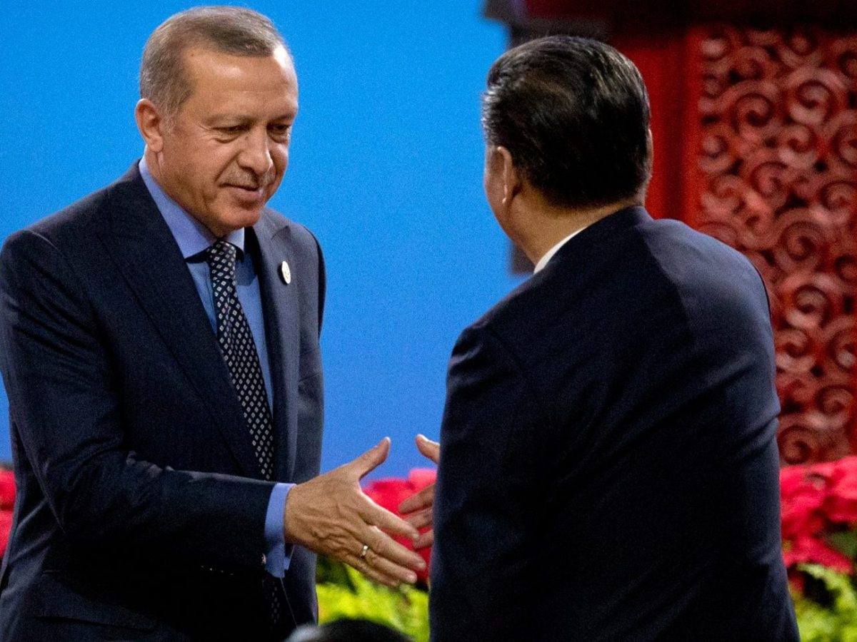 Turkey's President Recep Tayyip Erdogan (L) shakes hands with Chinese counterpart Xi Jinping after Erdogan spoke during the opening ceremony of the Belt and Road Forum in Beijing on May 14, 2017. Photo: AFP/Mark Schiefelbein