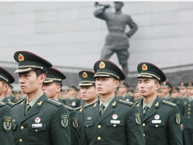PLA members are told to cease business activities as Xi Jinping steps up the fight against graft in the Chinese military. Photo: Xinhua