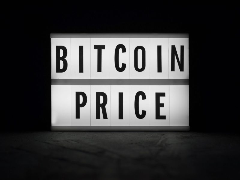 In today's market, when the Bitcoin price dips, the rest of the cryptocurrencies tend to follow suit. Photo: iStock