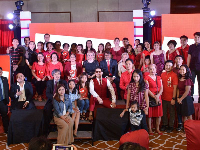 Twelve Filipino migrant workers were honored by MoneyGram, a financial services company, for their hard work to provide for their families. Photo: Facebook (Diskarteng MoneyGram)
