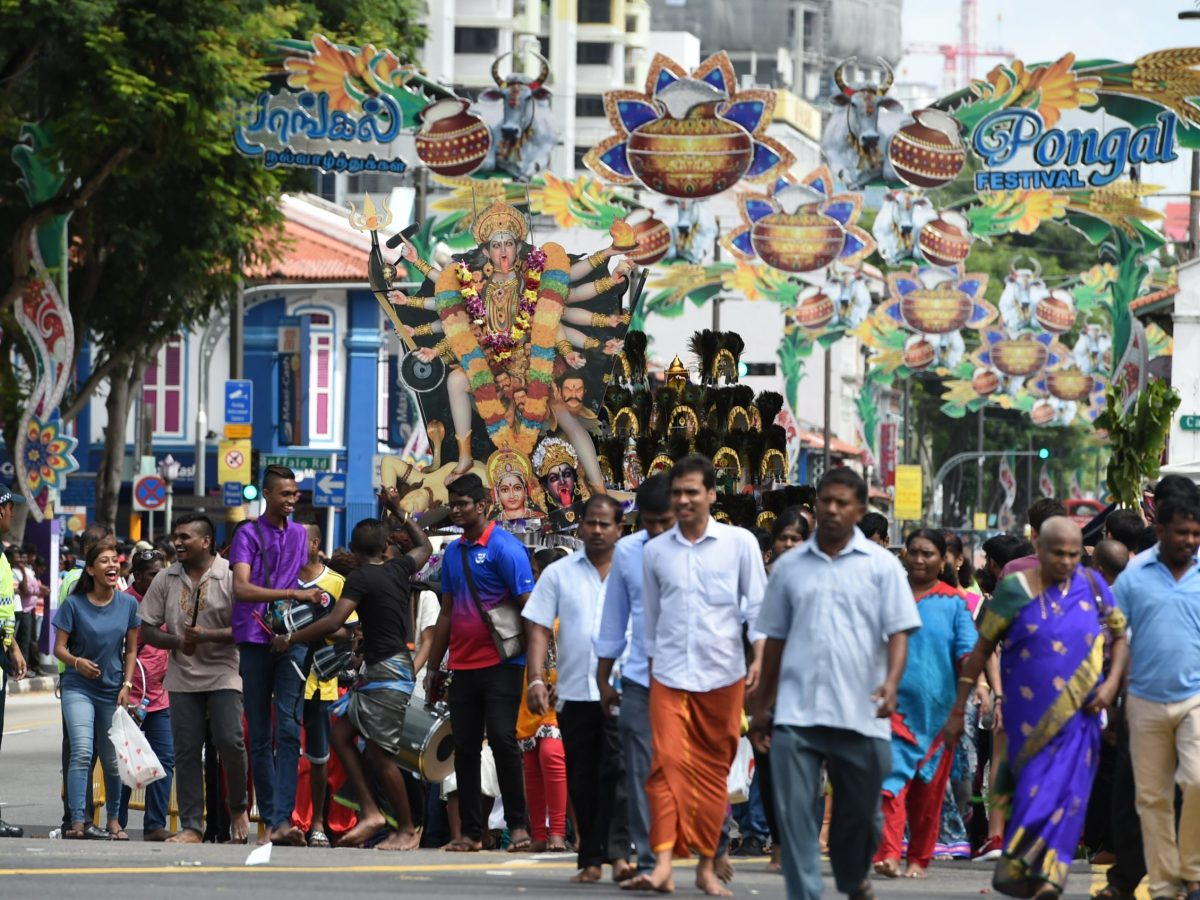 The other side of Singapore – Hindus celebrate the Thaipusam festival in the Little India district. The words to the national anthem are in Malay, but the majority of the population are ethnic Chinese. Photo:/Roslan Rahman