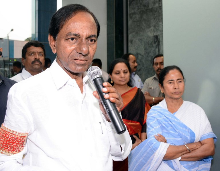 Telangana Chief Minister K Chandrashekar Rao (left) and West Bengal Chief Minister Mamata Banerjee, in March this year. Photo: AFP/The Times of India
