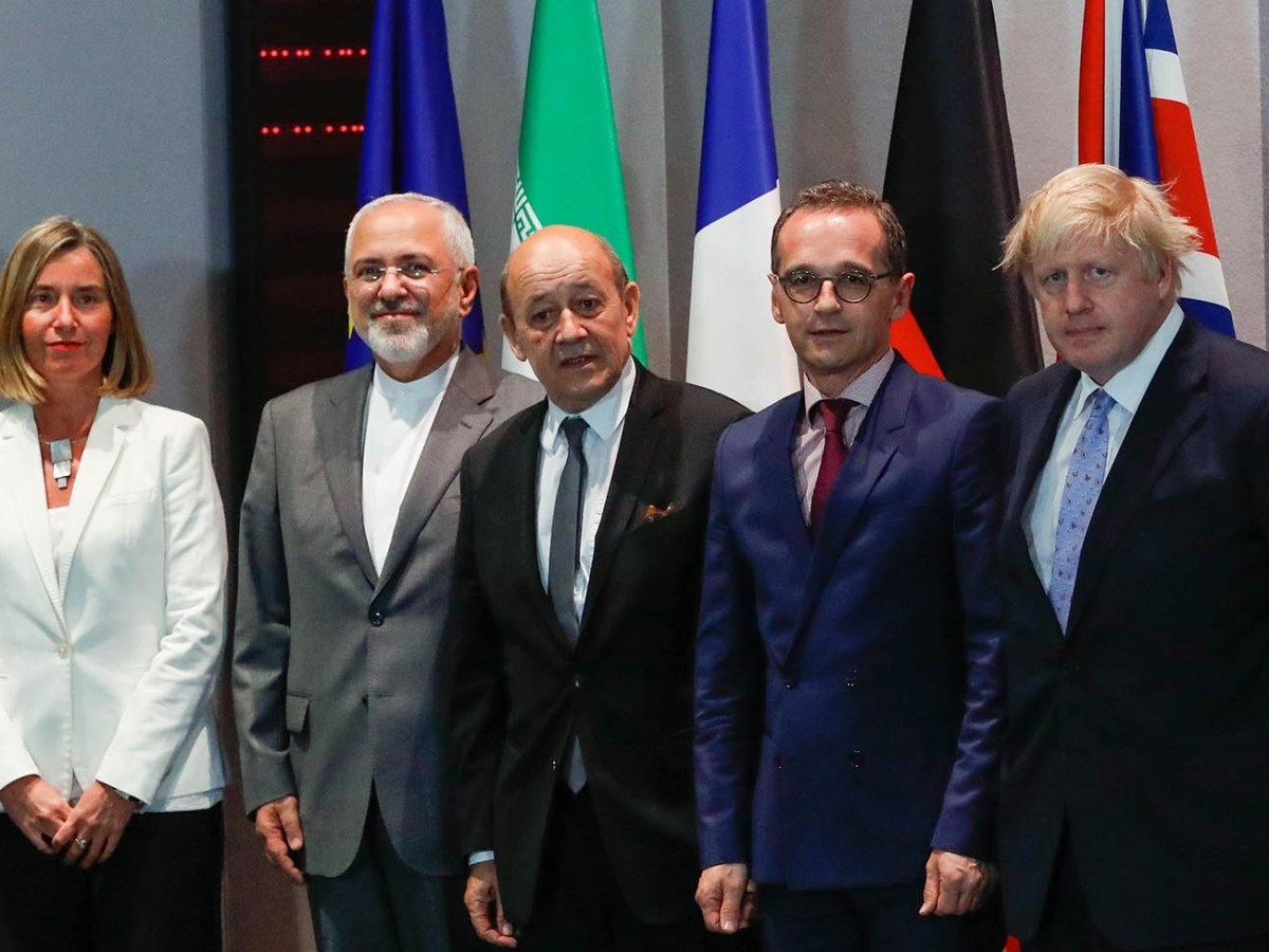 From left, EU High Representative for Foreign Affairs Federica Mogherini, Iran's Foreign Minister Mohammad Javad Zarif, France's Foreign Minister Jean-Yves Le Drian,  Germany's Foreign Minister Heiko Maas and Britain's former Foreign Secretary Boris Johnson after a meeting in Brussels, on May 15, 2018.  Photo: AFP