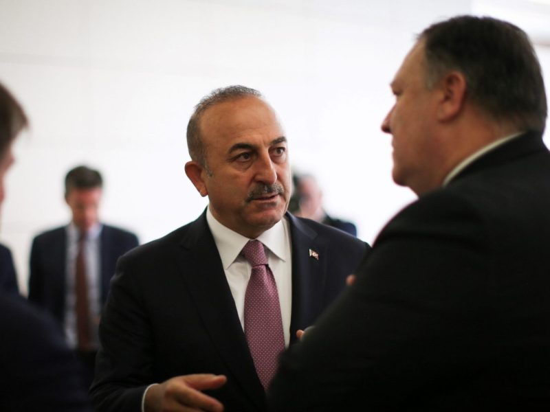 Minister of Foreign Affairs of Turkey, Mevlut Cavusoglu (C) attends a meeting with US Secretary of State, Mike Pompeo (R) in Ankara, Turkey on October 17, 2018. Photo: Cem Ozdel / Anadolu Agency