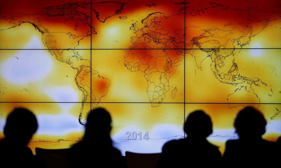 2015年世界氣候變化大會期間展示的氣候異常世界地圖。相片:Reuters / Stephane Mahe