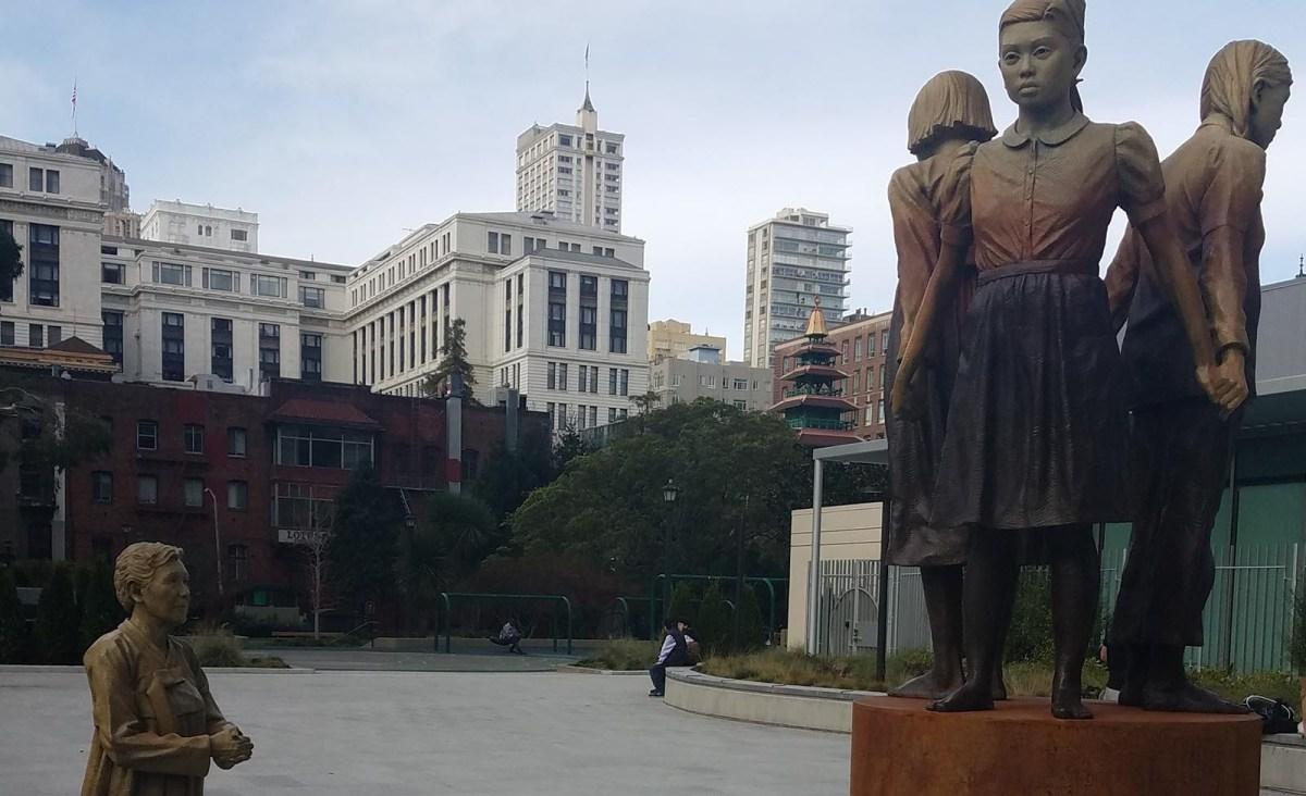 """تمثال """"عمود القوة"""" في ذكرى نساء الراحة بمدينة سان فرانسيسكو   الصورة: Wikipedia CC BY-SA 4.0"""